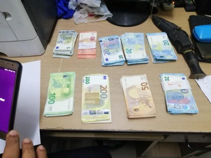 Coin-de-Mire : Un hors-bord intercepté avec 13 000 euros en cash