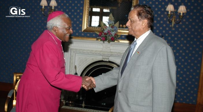 En images, SAJ et les personnalités politiques en visite à Maurice