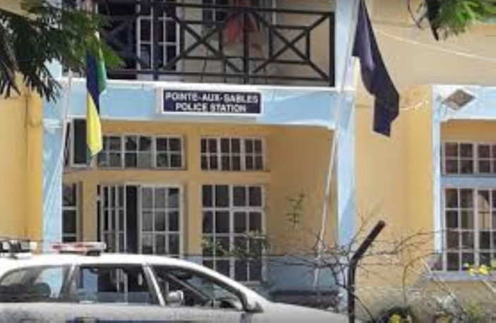 Maison saccagée lors d'une fête d'anniversaire : 8 arrestations à Pointe-aux-Sables