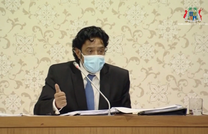 Nando Bodha interrompu dans son intervention marathon sur le budget par le Speaker