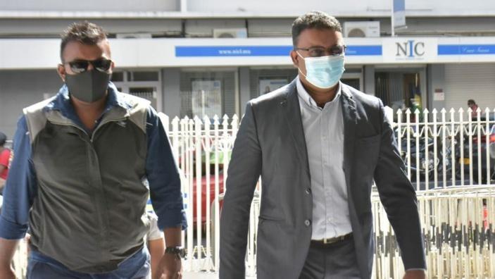 Yogida Sawmynaden aurait été arrêté pour chantage et tentative d'extorsion en Grande-Bretagne