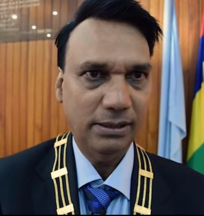 Le 'foutan' du maire de Vacoas aux maraîchers
