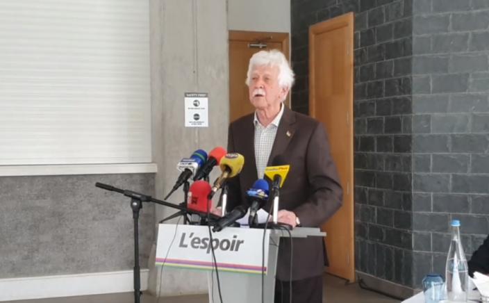 Bérenger accuse le gouvernement de jouer aux pompiers pyromanes