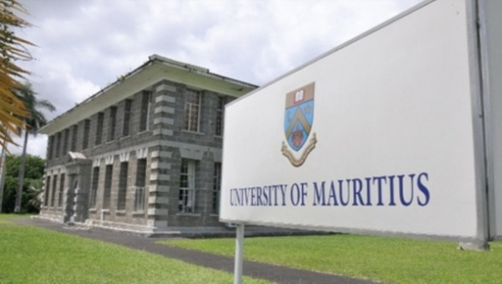 Le maintien des examens fait débat à l'UoM