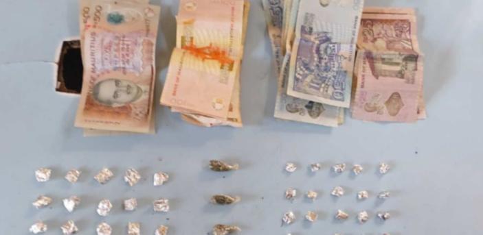 Résidence Ste-Claire : Il se débarrasse de près de Rs 100 000 de drogue en voyant la police