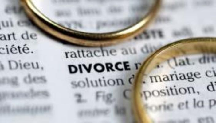 Moins de mariages en 2020 mais plus de divorces