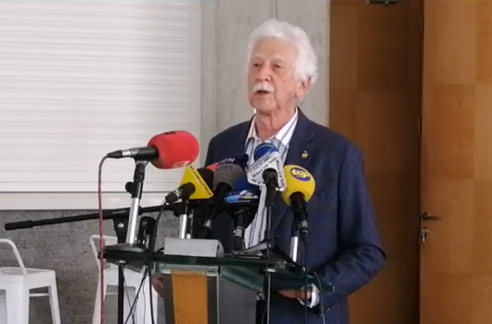 Bérenger s'inquiète de la charge sur les épaules du DPP