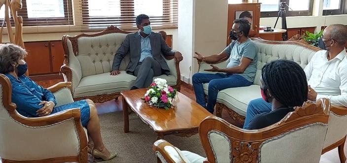 Le ministre Avinash Teeluck en mode « sommeil cassé »