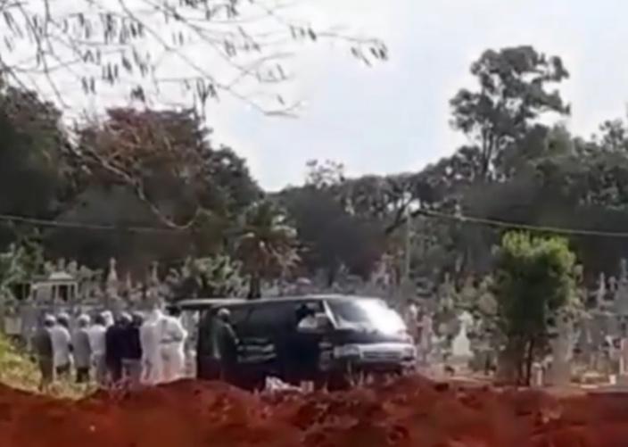 Colère à Bois Marchand : Un van mortuaire du ministère de la Santé pris pour cible