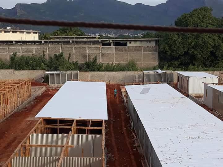 Des cages à poules pour plusieurs familles démunies à Baie du Tombeau