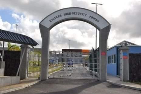 Contrat renouvelé pour le commissaire de prison Vinod Appadoo malgré les polémiques