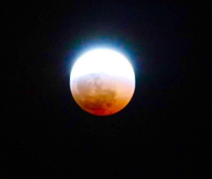 La Lune Rousse : L'éclipse lunaire à 22h45 à Saint-Pierre, Ile de la réunion