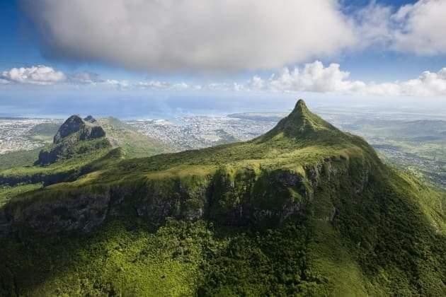Montagne le Pouce :Un touriste en randonné porté manquant