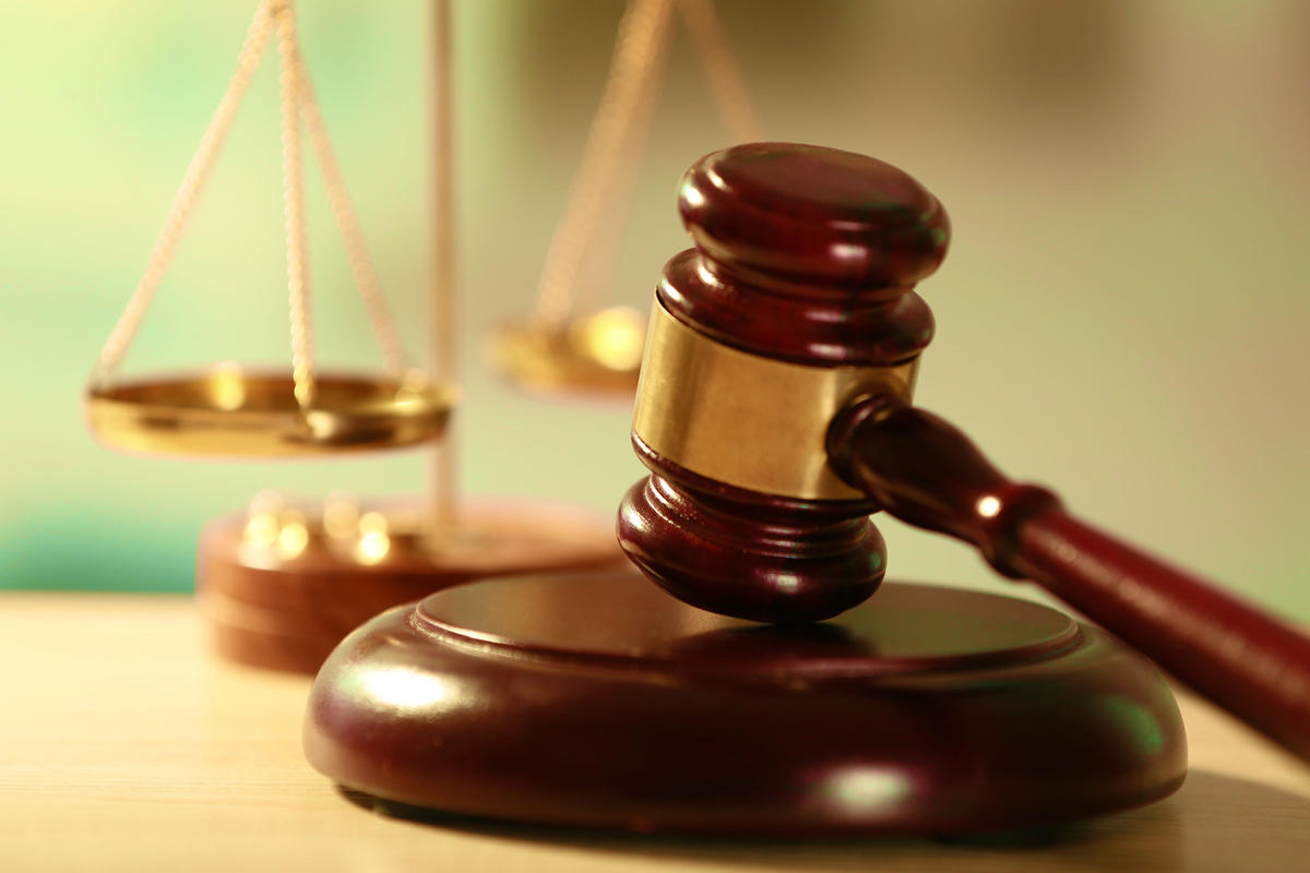 Le bureau du Directeur des poursuites publiques rappelle qu'il y a une façon de se comporter dans un tribunal