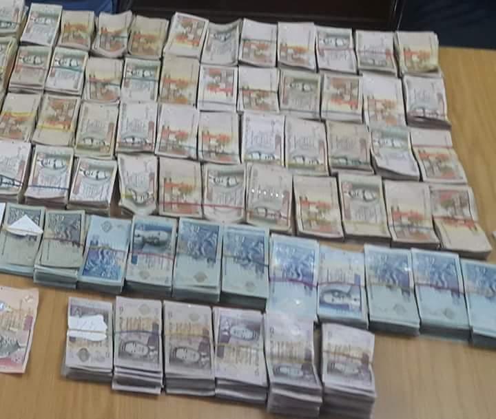 """Baie du Tombeau : Une """"cleaner"""" arrêtée pour blanchiment d'argent de plus de Rs 1,4 millions"""
