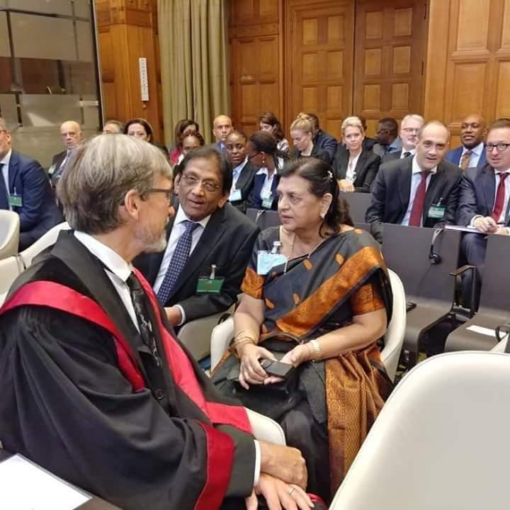 (CIJ) La présence de Lady Sarojini Jugnauth fait encore polémique