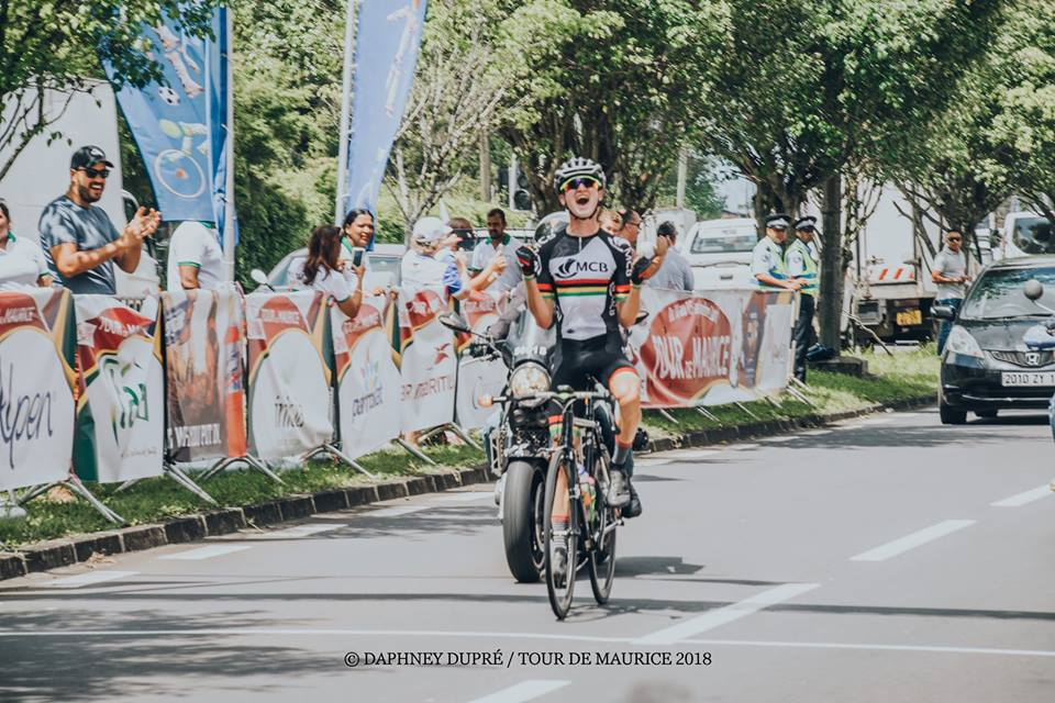 [Vidéo] Le Mauricien Grégory Lagane remporte le maillot Jaune lors de la  2ème étape du Tour de Maurice 2018