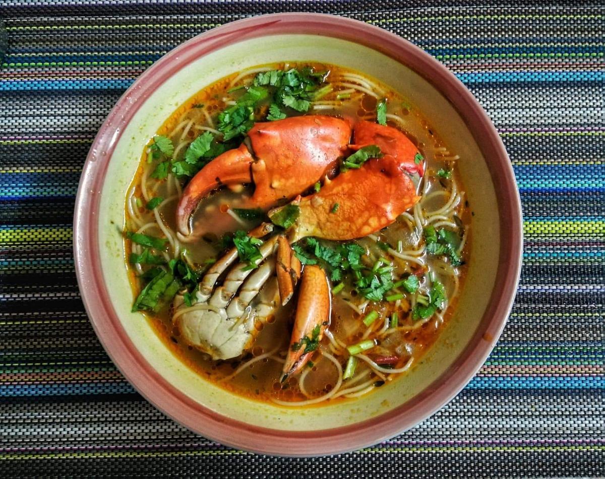 La recette de Ashnev Soomaroo : La soupe de Crabes et Meefoon