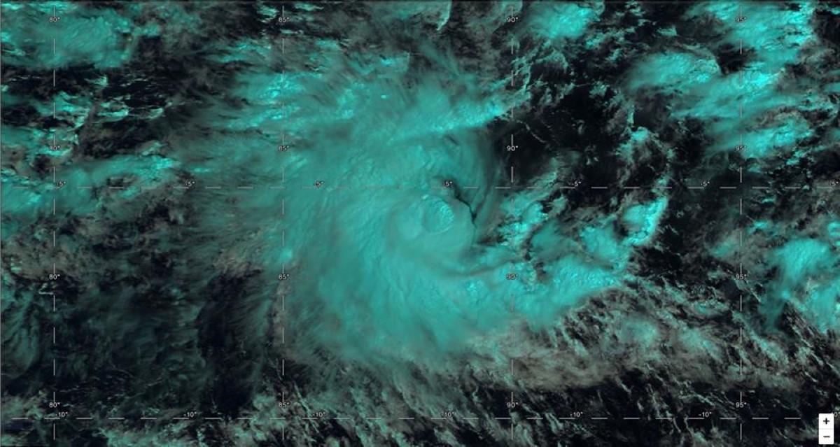 Tempête tropicale BOUCHRA située au sud ouest des îles indonésiennes proche de 90°E. Photo: Page Cyclone Class 4