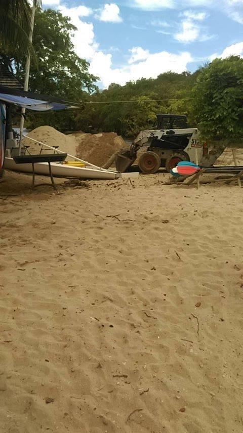 [Diaporama] Y aurait-il des abus de l'hôtel The Ravenala Attitude concernant nos plages ?