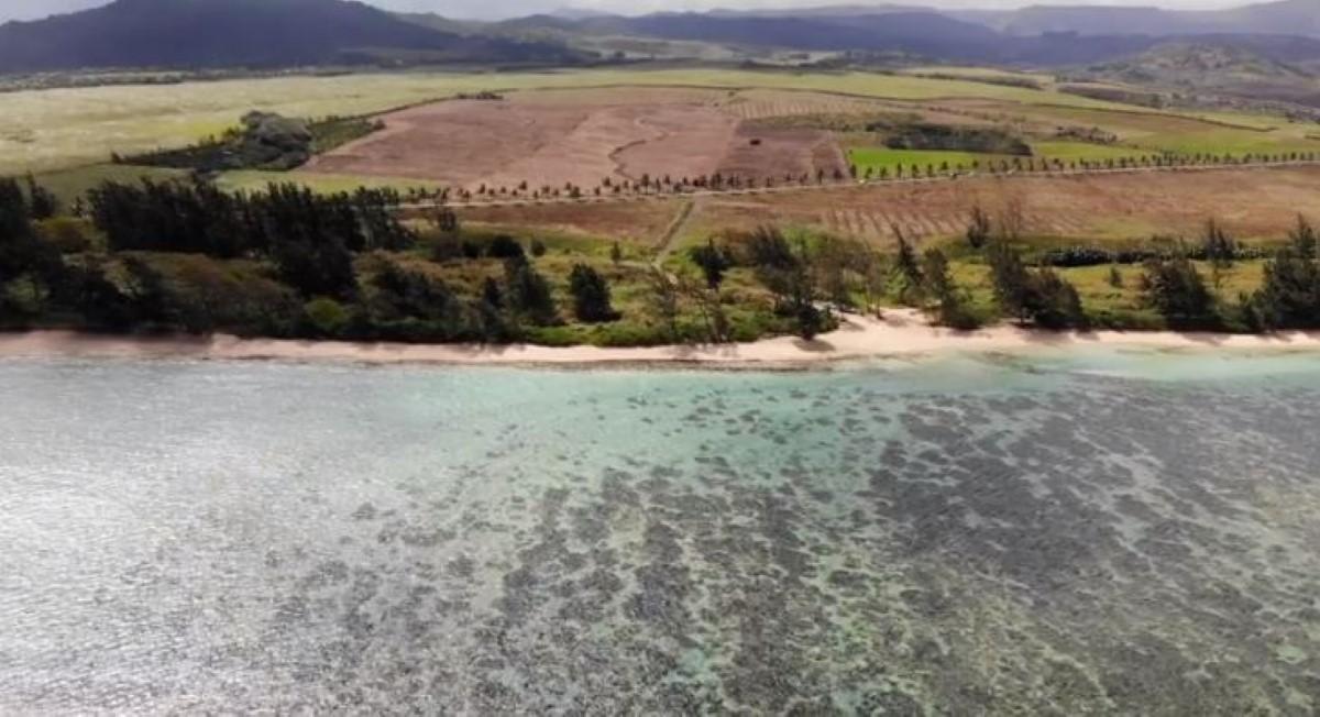 [Vidéo] La plage de Beau Champ est en passe d'être privatisée par le Gouvernement pour un énième projet d'hôtel !