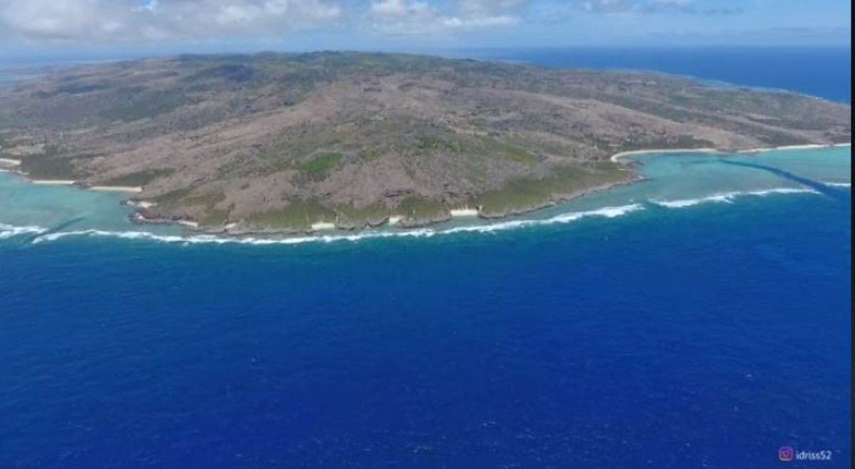 [Drone] Rodrigues sous l'oeil de Idriss Mahomedally