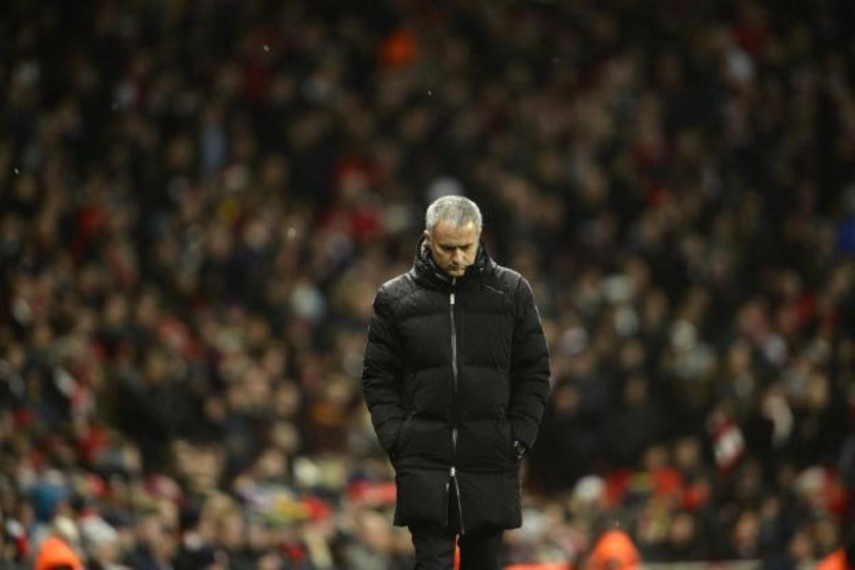 """Jose Mourinho a été limogé par Manchester United avec """"effet immédiat"""" !"""