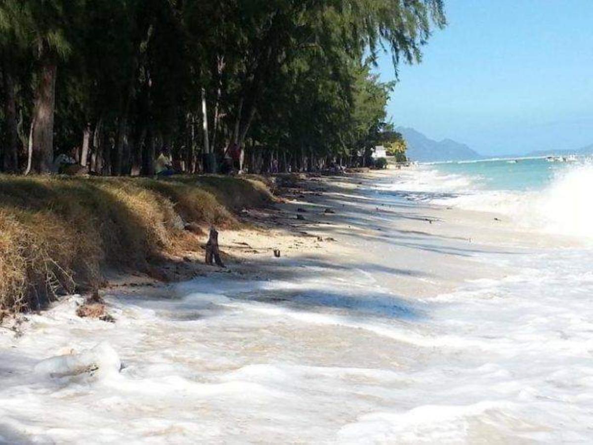 [Rattan Gujadhur] Flic en Flac - A Coastal Zone in Peril