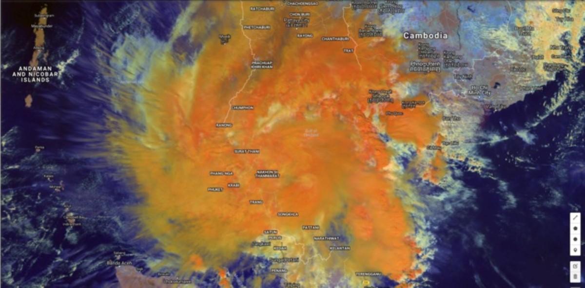 La tempête tropicale capturée par le satellite géostationnaire japonais à 08h ce matin heure des Mascareignes.