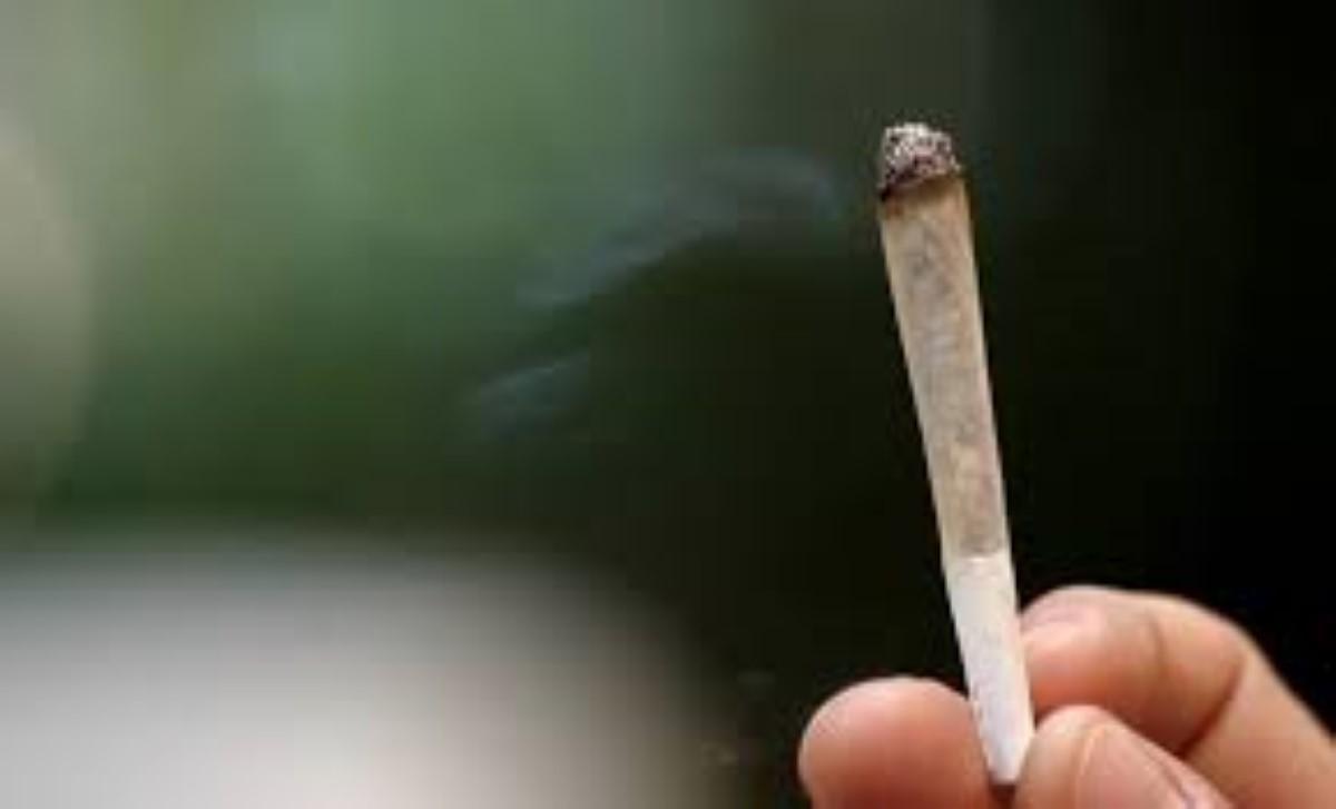 Pailles : un peintre en détention alors qu'il s'apprêtait à fumer un joint