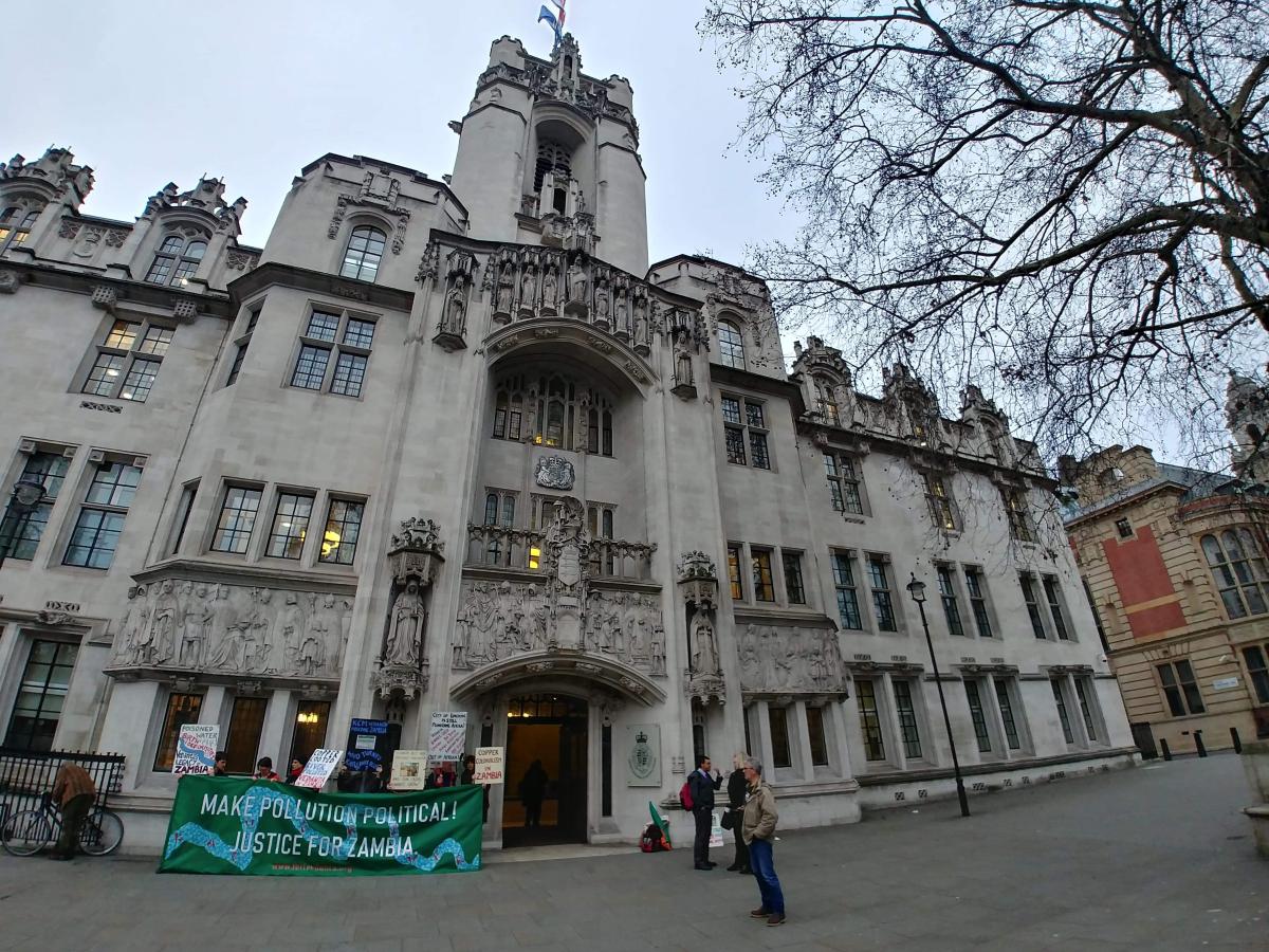 Photo Zinfos Moris : Parliament Square Westminster à Londres.