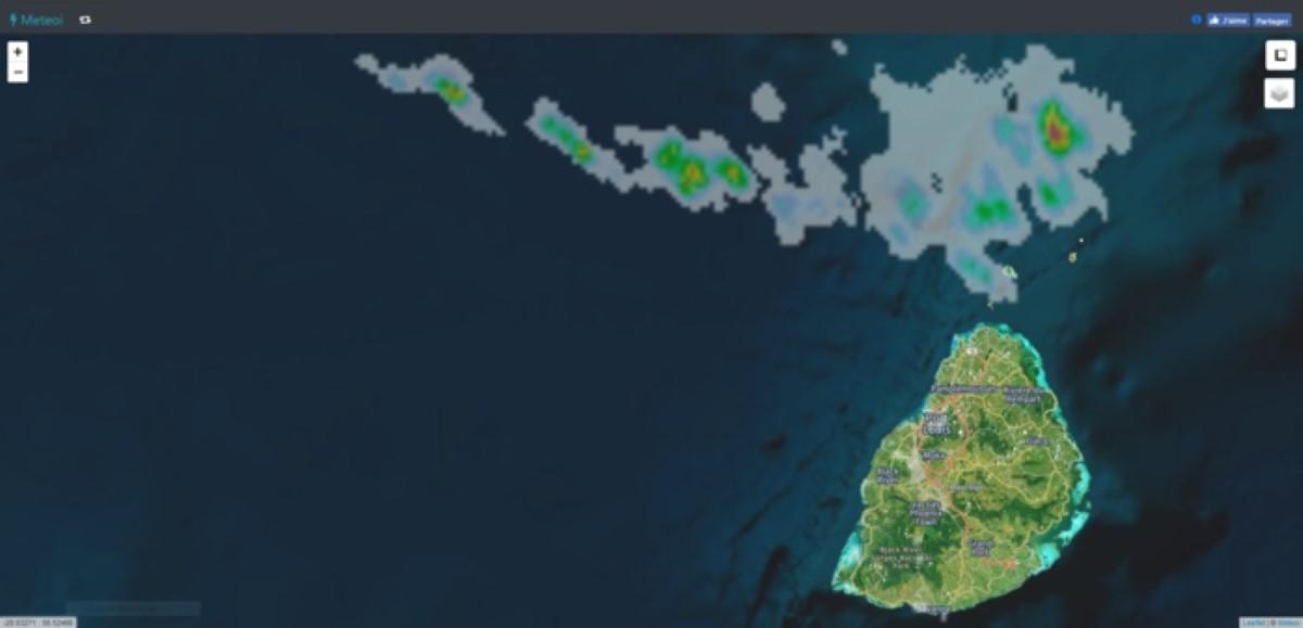 12h05.Image radar depuis le Colorado/Réunion. Les averses se trouvent toutes proches de Maurice. Crédit: https://www.meteoi.re/