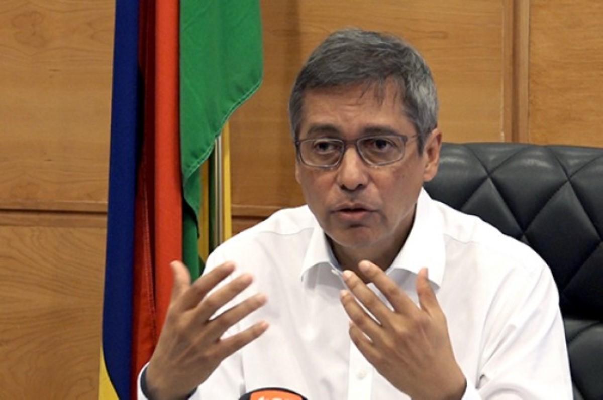 À Rodrigues, Xavier-Luc Duval prié de mettre fin à sa visite non-autorisée à l'hôpital Queen Elizabeth