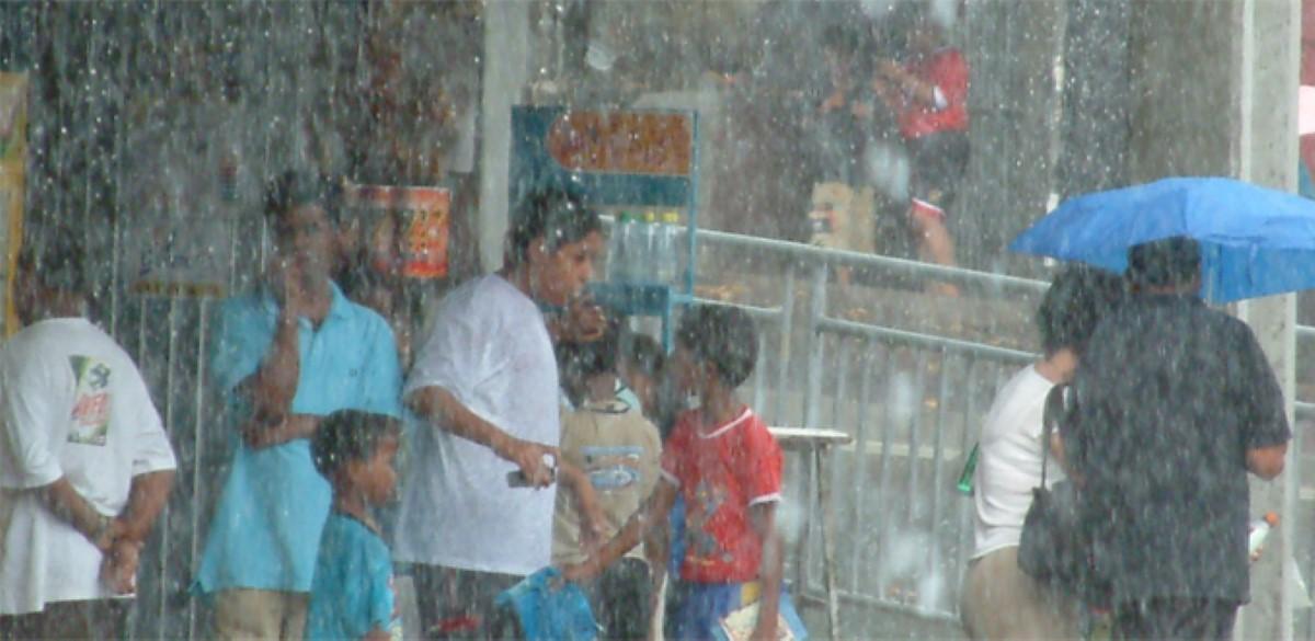 Malgré l'avis de fortes pluies, les établissements scolaires ouverts ce lundi