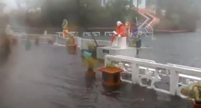 [Vidéo] Les Dieux de Grand Bassin sous le déluge