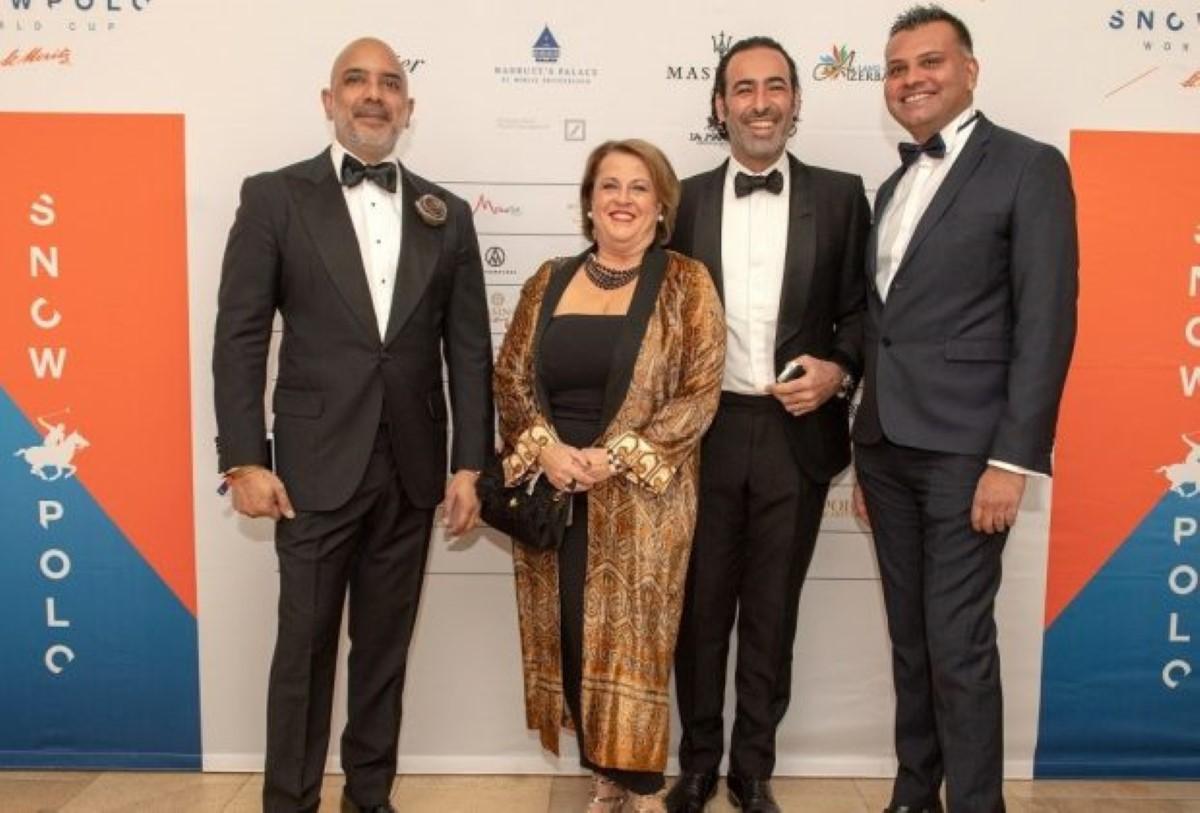 Sanjiv Ramdanee, CEO de Maradiva (à gauche), et Arvind Bundhun (à droite), directeur de la MTPA, entourant des invités - Crédit: Fotoswiss