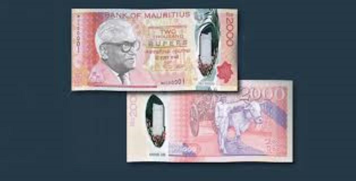 Les nouveaux billets de Rs 2000 en circulation