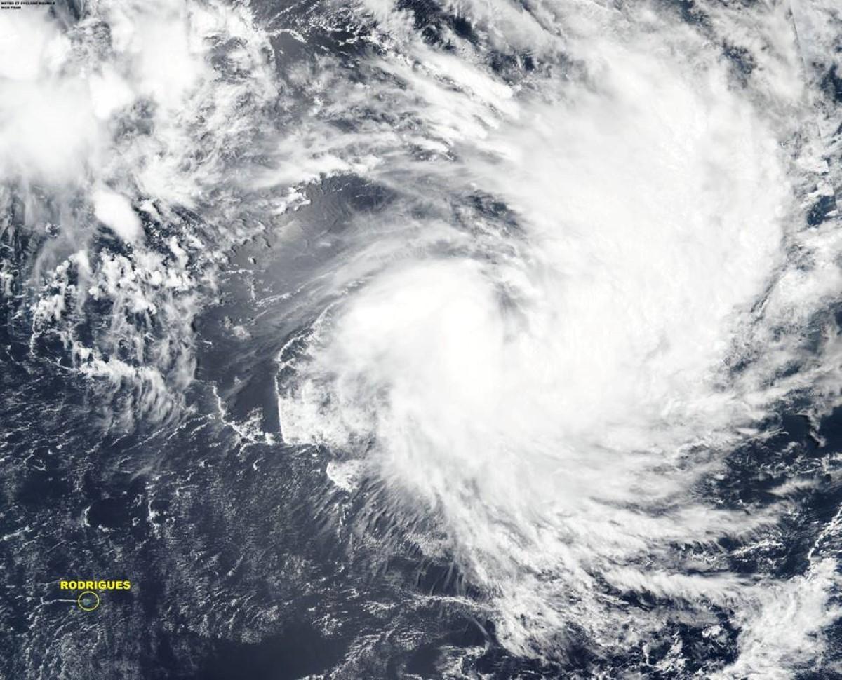 La tempête tropicale a été nommée Haleh et se trouve à 1945 kms de Maurice