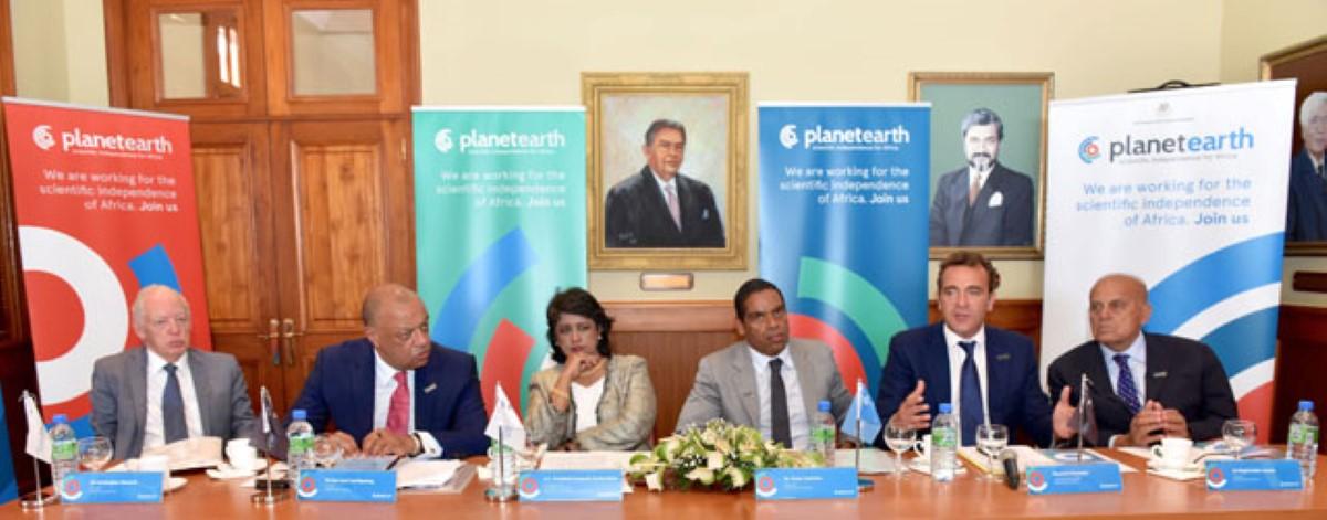 Le Lancement du Planet Earth Institute (PEI) à Maurice en compagnie de l'ancienne Président de la république et Alvara Sobrinho.