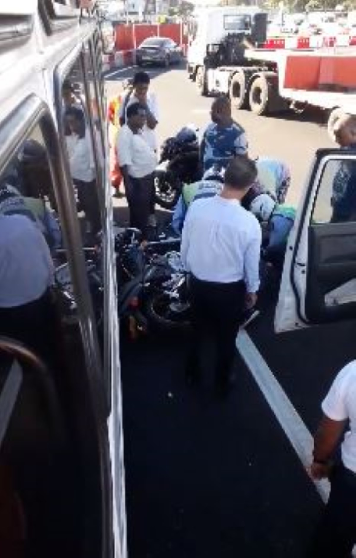 Accident de moto au rond de Jumbo Phoenix : circulation perturbée