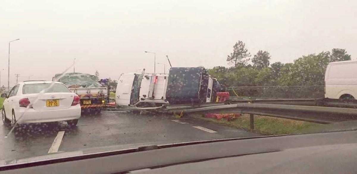 Accident de la route à La Vigie : Un véhicule de la police s'est renversé