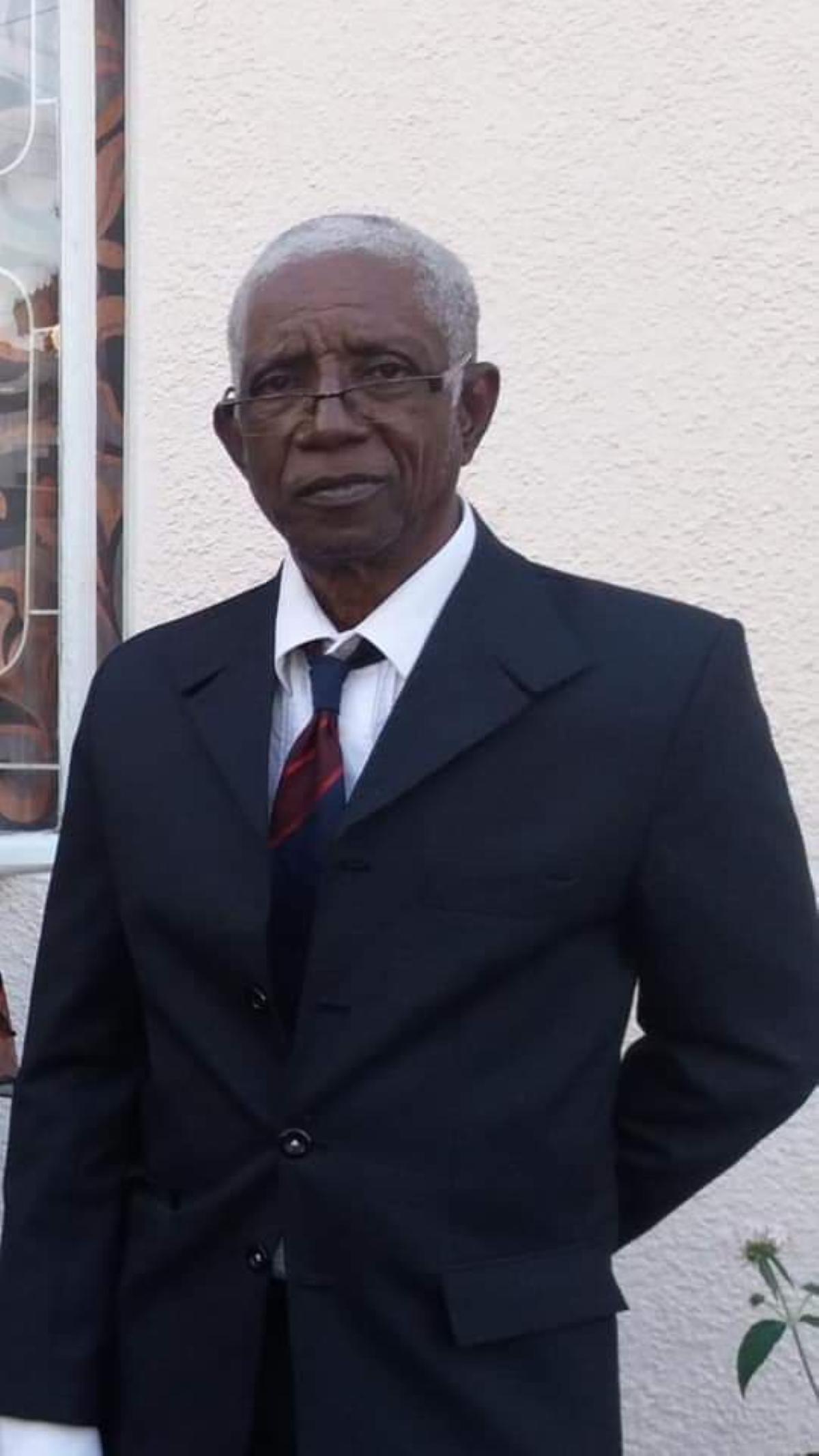 Georges Louise atteint de la maladie d'Alzheimer a été vu sur l'autoroute en direction du Nord hier soir, aidez sa famille à le retrouver