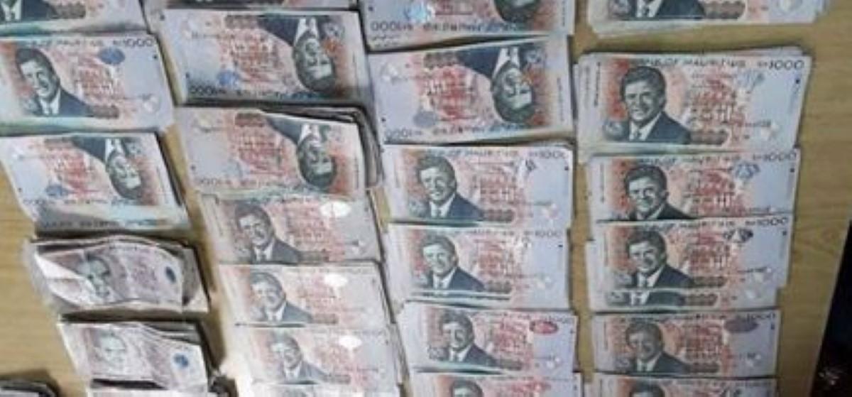 De l'argent et de la drogue saisis ce matin à Mahébourg