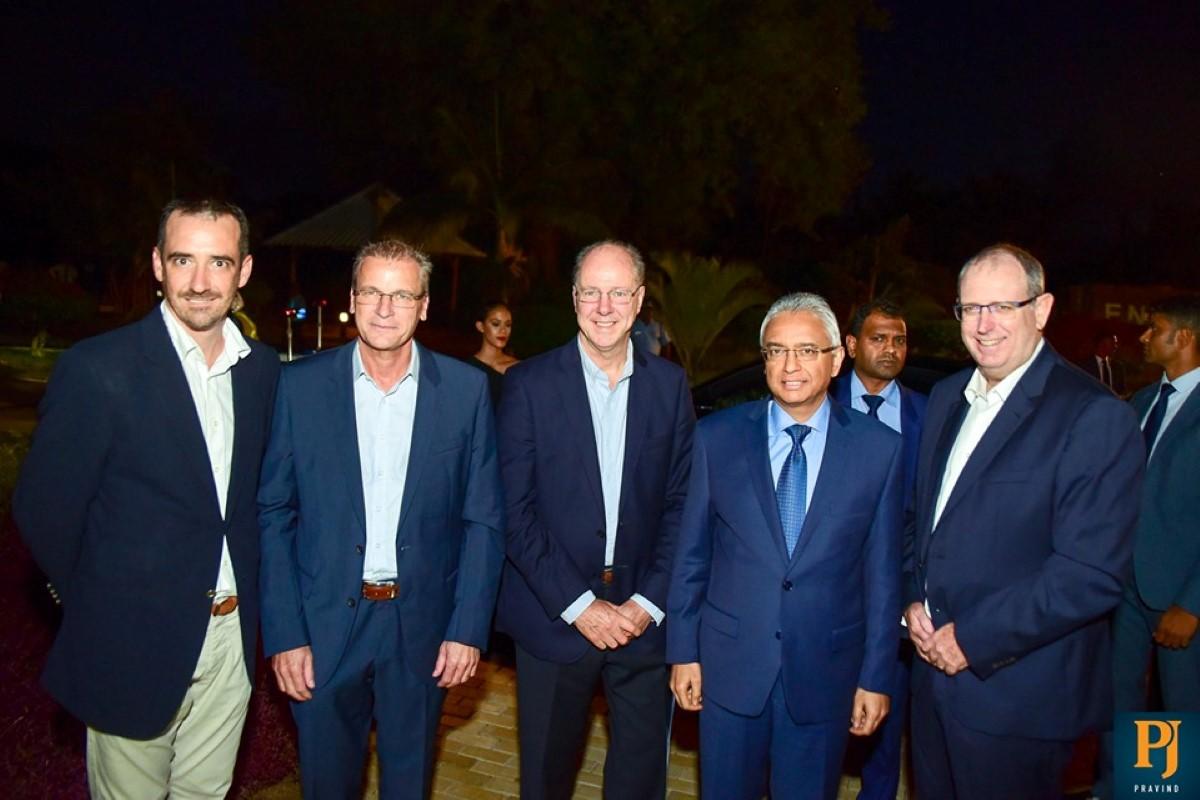 Lancement de la Smart City de Beau-Plan : Nicolas Eynaud, GM de Novaterra, le PM, Nicolas Maigrot MD de Terra et Alain Rey, président de Terra.