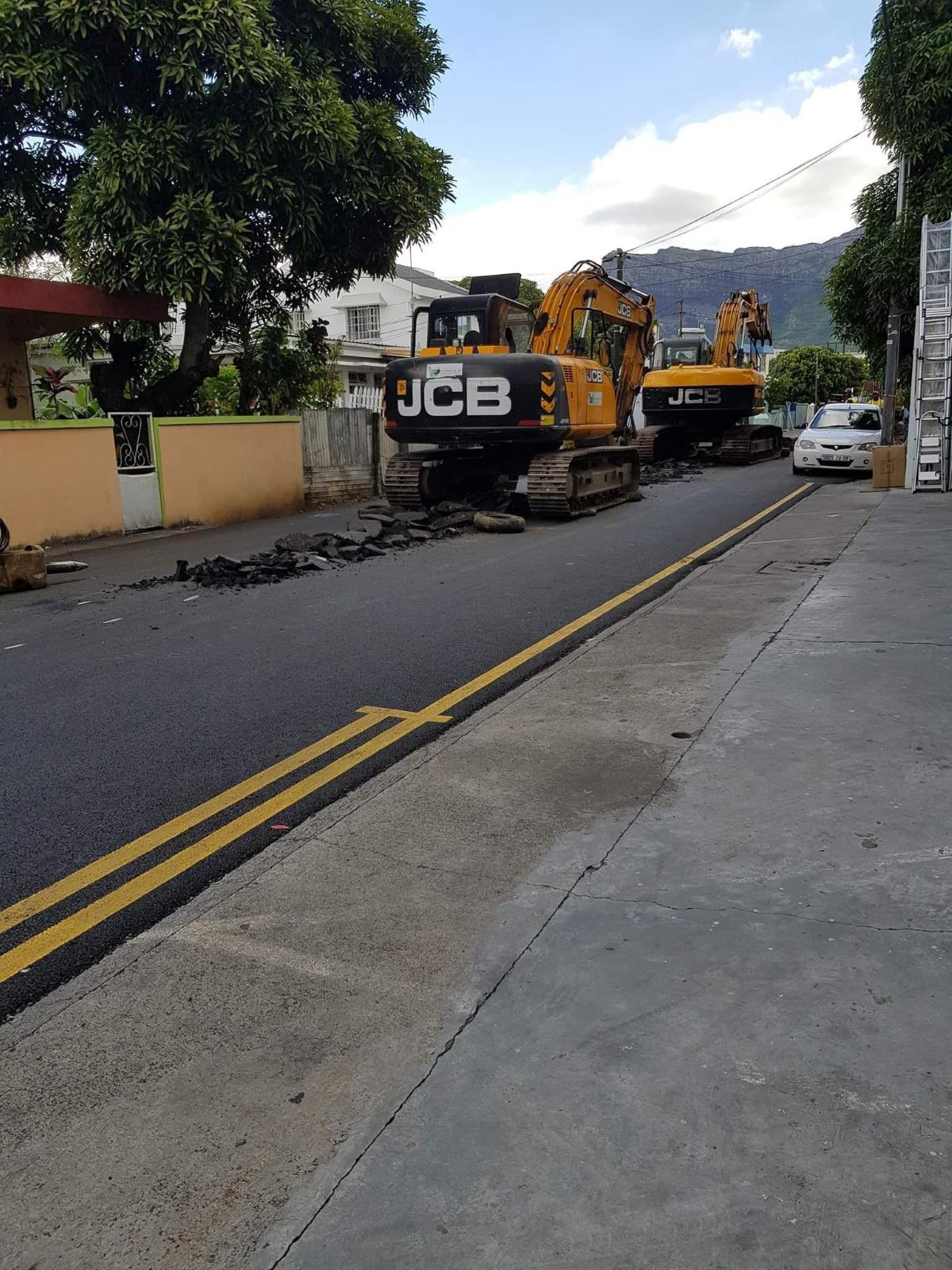 Rose-Hill : A peine la route asphaltée, ils creusent des trous !