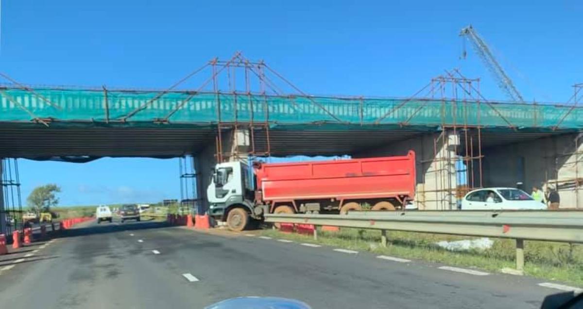 Côte-d'Or : Un accident entre deux camions fait deux blessés