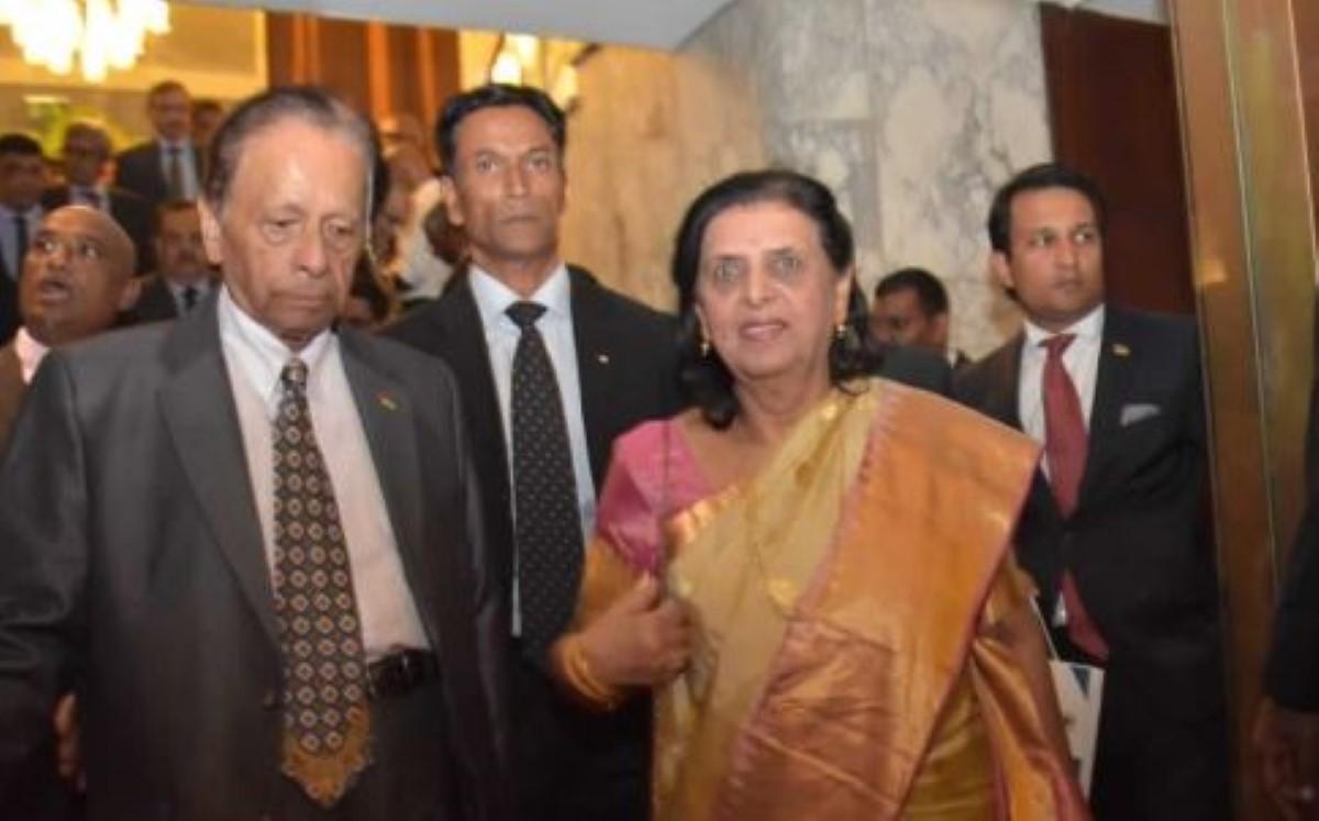 « C'est très bien », dit Lady Sarojini Jugnauth