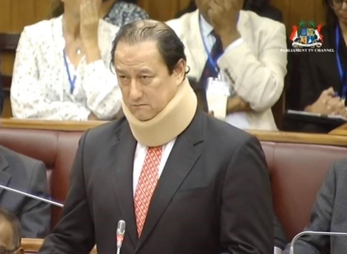 Le ministre Alain Wong accuse le député Armance d'avoir voyagé aux frais d'une ONG