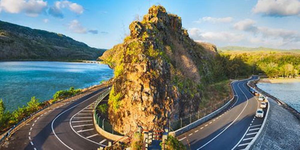 Les routes sont désormais praticables à Macondé, Baie du Cap et Le Morne