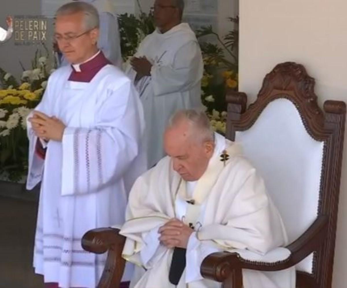 Pape François : « Seuls les jeunes et un esprit jeune peuvent donner à l'église un nouveau départ »